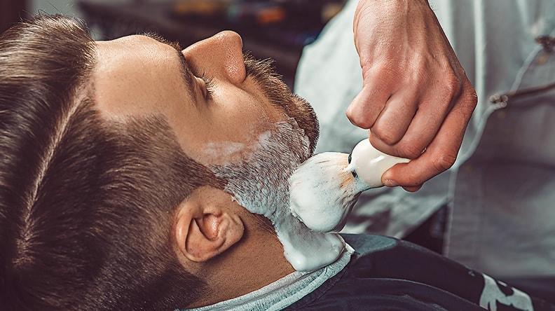 afeitado vintage y navaja brocha uruguay-min